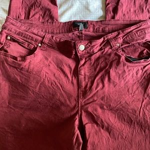 Celebrity Pink Stretchy Jeans in Maroon